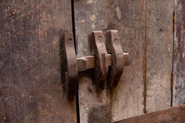 Landelijk dressoir 2-deurs